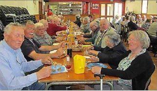 Repas de retrouvailles pour les aînés